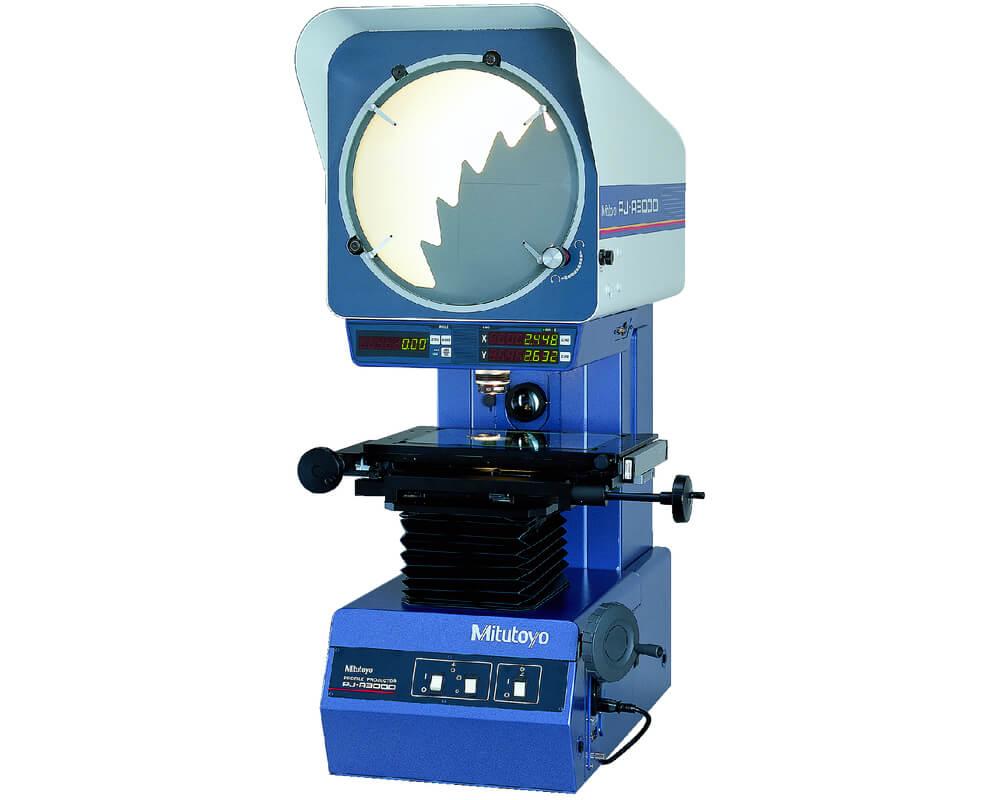 Měřicí přístroje - profilový projektor