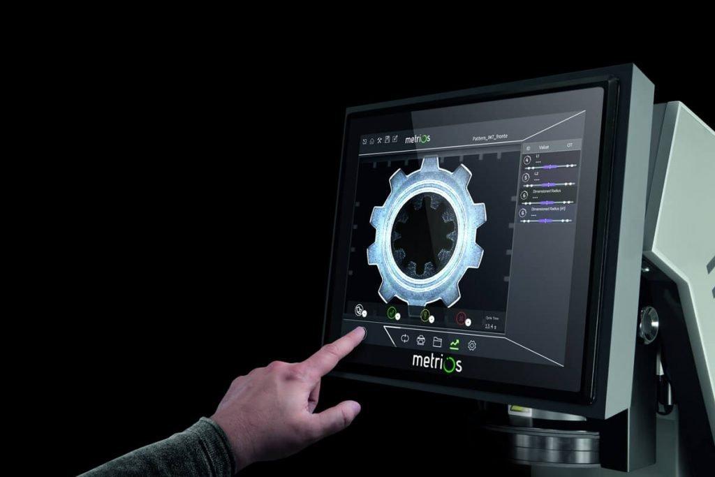 Optický měřicí přístroj Metrios - digitální profil projektor
